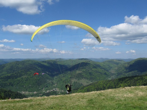 FlyBC's Paragliding Site of the Day Page - from the